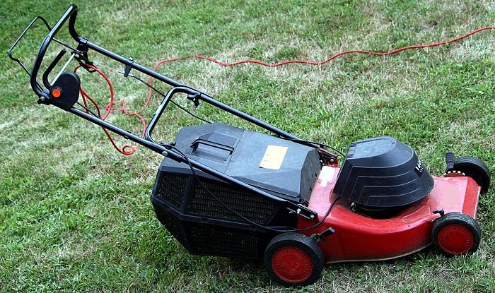 Effective Advancement Across The Global Power Lawn Mower Market Outlook: Ken Research