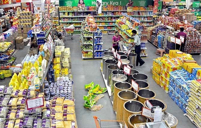 Food and Grocery Retail Market
